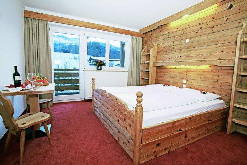 Hotels in Austrian Alps: lti alpenhotel Kaiserfels