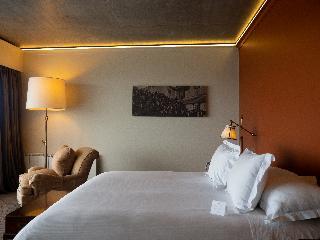 http://photos.hotelbeds.com/giata/33/330370/330370a_hb_ro_017.jpg