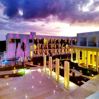 Platinum Yucatan Princess All Suites Spa