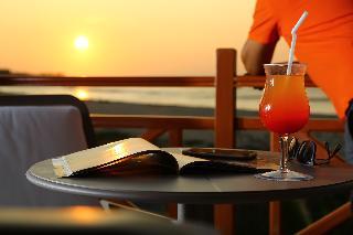 http://photos.hotelbeds.com/giata/37/376799/376799a_hb_ro_013.jpg