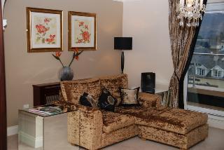 http://photos.hotelbeds.com/giata/38/380397/380397a_hb_ro_021.JPG