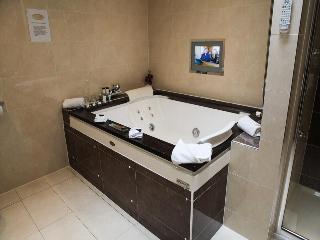 http://photos.hotelbeds.com/giata/38/380397/380397a_hb_ro_028.jpg