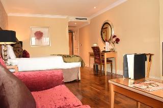 http://photos.hotelbeds.com/giata/38/380397/380397a_hb_ro_036.jpg