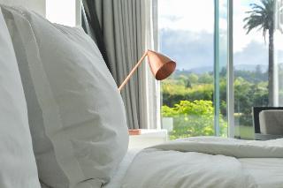 http://photos.hotelbeds.com/giata/41/410764/410764a_hb_ro_010.JPG