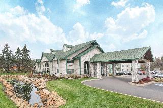 Hotels in Brainerd - MN: Baymont Inn & Suites Baxter/Brainerd Area