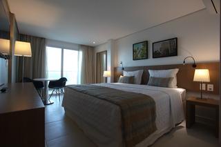 http://photos.hotelbeds.com/giata/42/427518/427518a_hb_ro_068.jpg