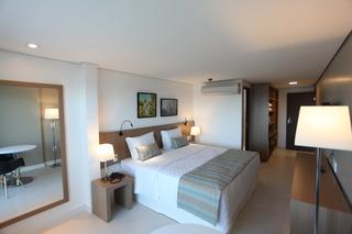 http://photos.hotelbeds.com/giata/42/427518/427518a_hb_ro_070.jpg