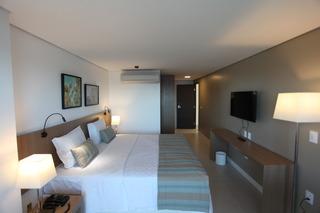 http://photos.hotelbeds.com/giata/42/427518/427518a_hb_ro_071.jpg