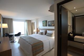 http://photos.hotelbeds.com/giata/42/427518/427518a_hb_ro_072.jpg