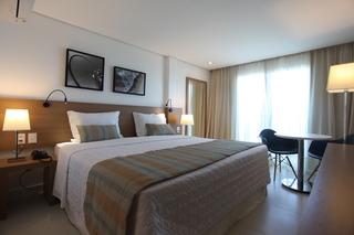 http://photos.hotelbeds.com/giata/42/427518/427518a_hb_ro_074.jpg