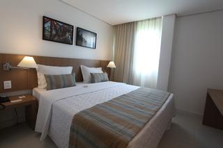 http://photos.hotelbeds.com/giata/42/427518/427518a_hb_ro_082.jpg