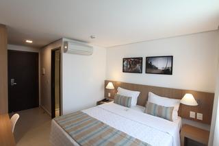 http://photos.hotelbeds.com/giata/42/427518/427518a_hb_ro_084.jpg