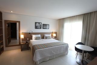 http://photos.hotelbeds.com/giata/42/427518/427518a_hb_ro_087.jpg