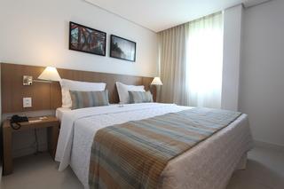 http://photos.hotelbeds.com/giata/42/427518/427518a_hb_ro_097.jpg