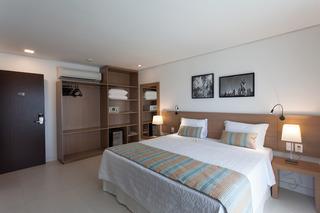 http://photos.hotelbeds.com/giata/42/427518/427518a_hb_ro_101.jpg
