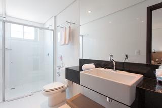http://photos.hotelbeds.com/giata/42/427518/427518a_hb_ro_102.jpg