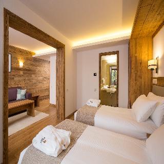 http://photos.hotelbeds.com/giata/42/428922/428922a_hb_ro_009.jpg