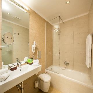 http://photos.hotelbeds.com/giata/42/428922/428922a_hb_ro_024.jpg