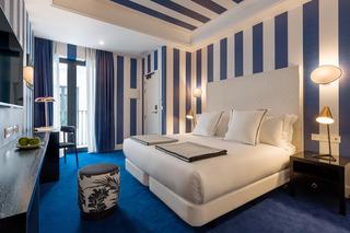 http://photos.hotelbeds.com/giata/43/436241/436241a_hb_ro_008.jpg