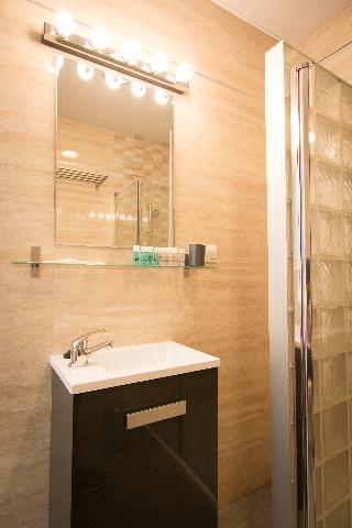 http://photos.hotelbeds.com/giata/43/437080/437080a_hb_ro_062.jpg