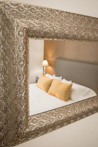 http://photos.hotelbeds.com/giata/43/437080/437080a_hb_ro_079.jpg