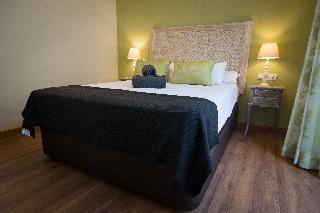 http://photos.hotelbeds.com/giata/43/437080/437080a_hb_ro_121.jpg