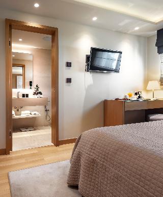 http://photos.hotelbeds.com/giata/47/470241/470241a_hb_ro_019.jpg