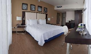 http://photos.hotelbeds.com/giata/47/470804/470804a_hb_ro_006.jpg