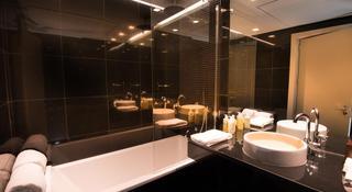 http://photos.hotelbeds.com/giata/47/477441/477441a_hb_ro_013.jpg