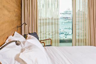 http://photos.hotelbeds.com/giata/47/477441/477441a_hb_ro_035.jpg