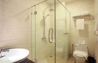 http://photos.hotelbeds.com/giata/48/480801/480801a_hb_ro_003.jpg