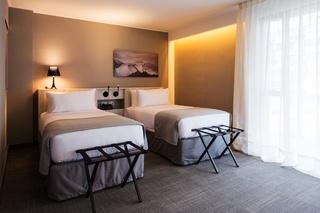 http://photos.hotelbeds.com/giata/48/484607/484607a_hb_ro_001.jpg