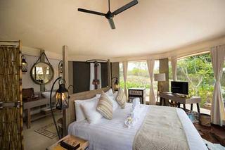 http://photos.hotelbeds.com/giata/49/492762/492762a_hb_ro_002.jpg