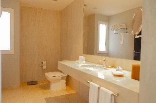 http://photos.hotelbeds.com/giata/55/552881/552881a_hb_ro_034.JPG