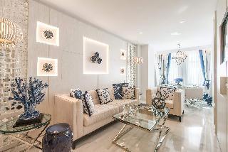 http://photos.hotelbeds.com/giata/55/553701/553701a_hb_ro_169.jpg