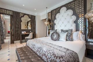 http://photos.hotelbeds.com/giata/55/553701/553701a_hb_ro_171.jpg