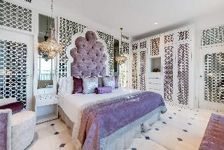 http://photos.hotelbeds.com/giata/55/553701/553701a_hb_ro_173.jpg