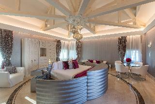 http://photos.hotelbeds.com/giata/55/553701/553701a_hb_ro_189.jpg