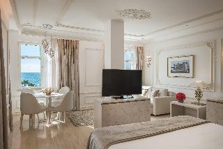 http://photos.hotelbeds.com/giata/55/553701/553701a_hb_ro_191.jpg