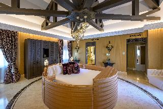http://photos.hotelbeds.com/giata/55/553701/553701a_hb_ro_201.jpg