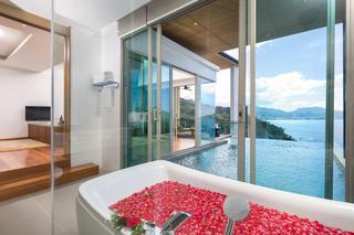 http://photos.hotelbeds.com/giata/55/555322/555322a_hb_ro_039.jpg