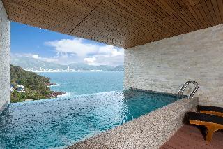 http://photos.hotelbeds.com/giata/55/555322/555322a_hb_ro_078.JPG