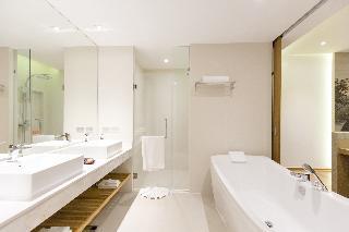 http://photos.hotelbeds.com/giata/55/555322/555322a_hb_ro_099.jpg