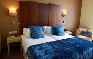 http://photos.hotelbeds.com/giata/57/577901/577901a_hb_ro_002.jpg