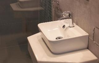http://photos.hotelbeds.com/giata/58/586101/586101a_hb_ro_002.jpg