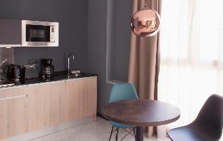 http://photos.hotelbeds.com/giata/58/586101/586101a_hb_ro_032.jpg