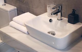 http://photos.hotelbeds.com/giata/58/586101/586101a_hb_ro_089.jpg