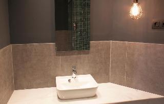 http://photos.hotelbeds.com/giata/58/586101/586101a_hb_ro_095.jpg