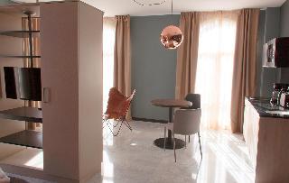http://photos.hotelbeds.com/giata/58/586101/586101a_hb_ro_104.jpg
