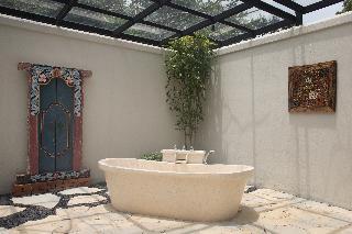 http://photos.hotelbeds.com/giata/59/592063/592063a_hb_ro_015.JPG